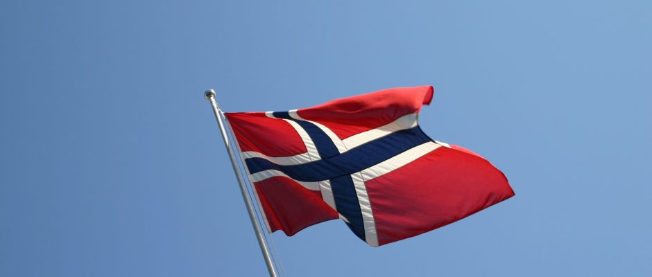 the-norwegian-flag-1445265-1599x1061